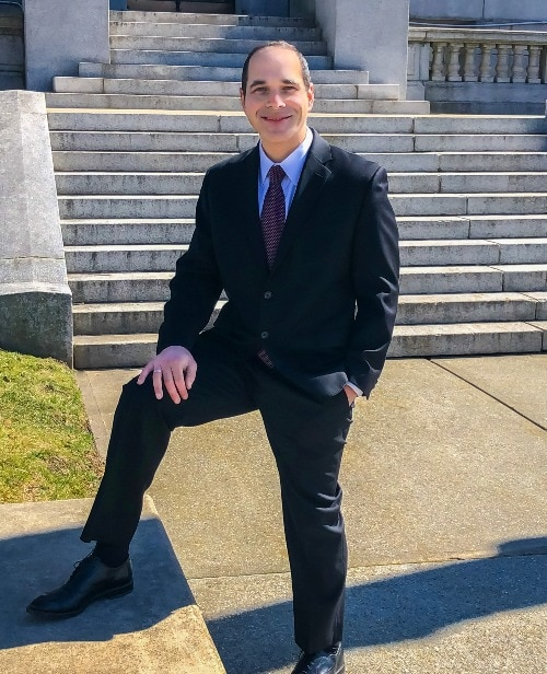 about me - earl white attorney